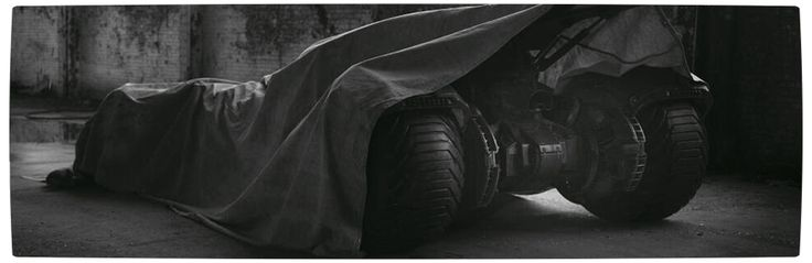 First Look at Ben Affleck as Batman with his new Batsuit and Batmobile