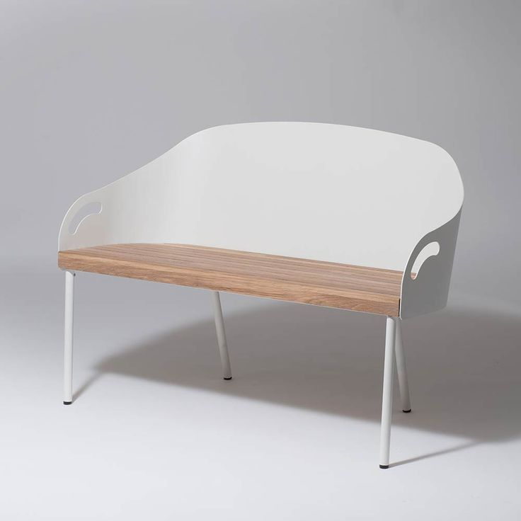 Vid entrėn. Brunnsviken Lounge Soffa, Vit/ Ek, SMD Design