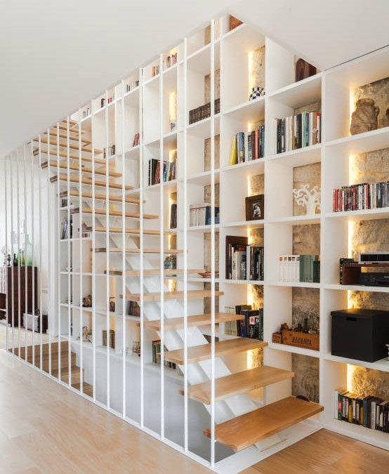 9 IDEAS FANTÁSTICAS para aprovechar espacio bajo la ESCALERA