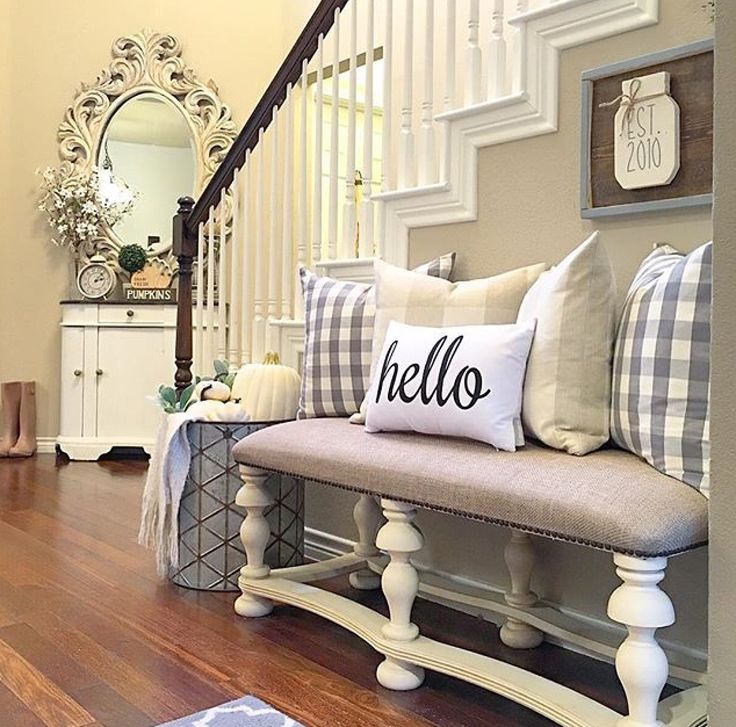 Entry foyer decor | entry way bench