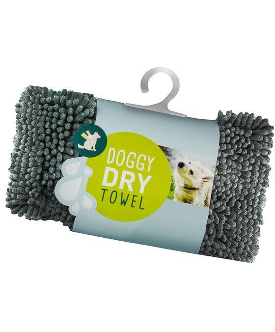 Doggy Dry Handdoek  De Doggy Dry Towel zuigt water en vuil op als een spons is extreem duurzaam en super zacht. De handdoek droogt snel neemt géén geuren op en is antibacterieel. Dit maakt de Doggy Dry Towel uniek in zijn soort. Wat is het geheim? In de Doggy Dry producten zit een speciaal microfiber genaamd chenille. Elke noedel op de stof is gemaakt van miljoenen geweven ultrafijne draden. Hierdoor is het totale oppervlakte eigenlijk véél groter dan we met het blote oog kunnen zien…