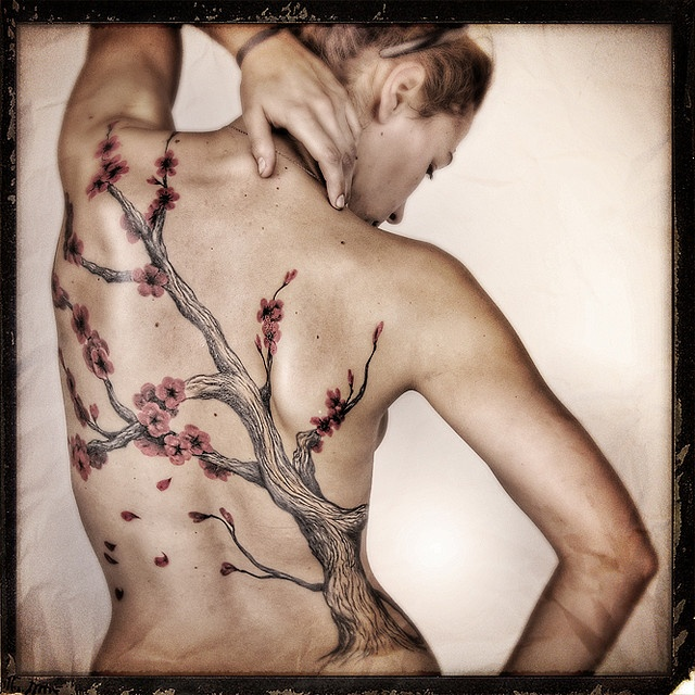 If I had the guts to tattoo my whole back, it would be as beautiful as this!