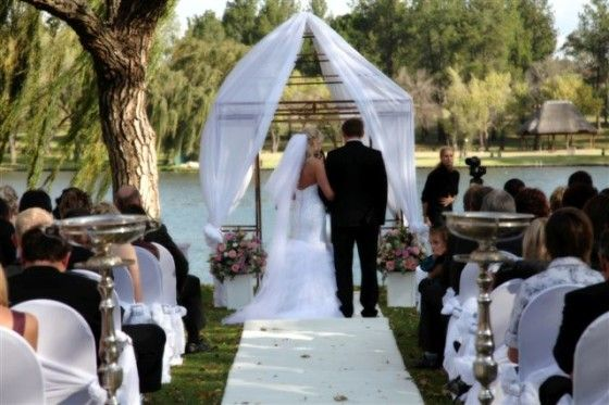 Riverside Sun Resort a gorgeous wedding venue on the banks of the Vaal River.
