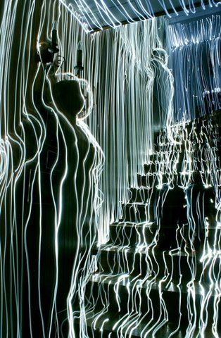 Artist Traces Rooms With LEDs, Captures Effect Using Long Exposure Shots - DesignTAXI.com