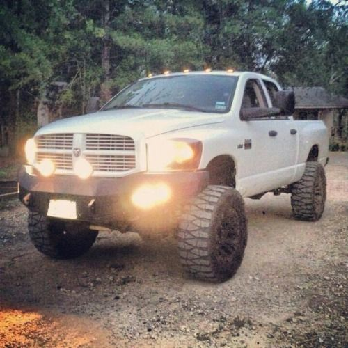 Nice Dodge With A Good Lift And Not Much Clutter Lookin