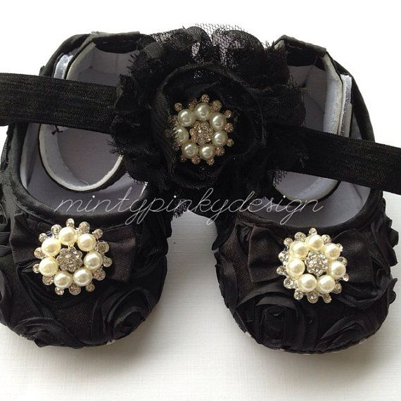 Black+Baby+Crib+Shoes+baby+rosette+shoes+Christmas+by+mintypinky,+$21.50