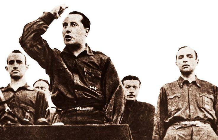 30/05/1935-José Antonio Primo de Rivera, fundador de la Falange Española en un acto político en el campo de Criptana (Ciudad Real).