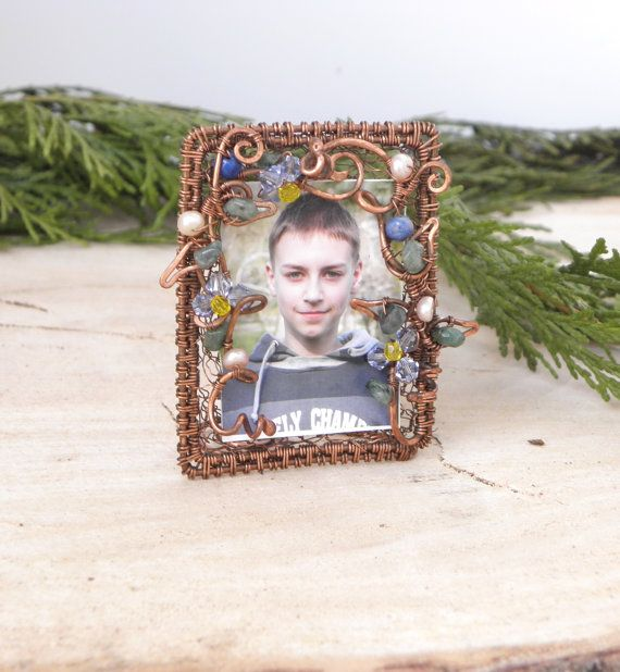 Hey, I found this really awesome Etsy listing at https://www.etsy.com/listing/199794972/small-photo-frame-with-flowers-decor