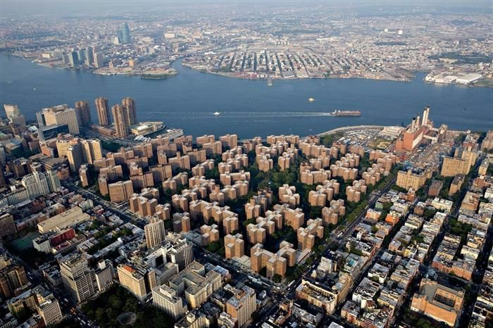 Stuyvesant Town is Manhattan's largest apartment complex. -Amazing aspects of the world