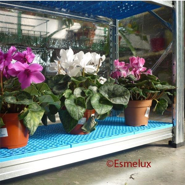 Estanterías metálicas galvanizadas para Jardinería Especial para uso en exteriores.  http://www.esmelux.com/galeriaImgs.php?gl=16