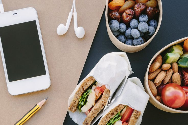 Mit diesen zehn Snacks tischen Sie in der Mittagspause ganz einfach gesundes Essen auf und haben schmackhafte Alternativen zu Schnitzel-Pommes aus der Kantine.