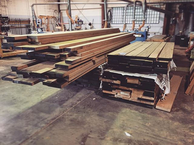 One for the wood nuts. 5m3 of White Oak. Will make up a squillion table tops for a hotel in Noosa. #makimaki #timberfurniture #woodwork #commercialfurniture #whiteoak #wooood #brisbanemade