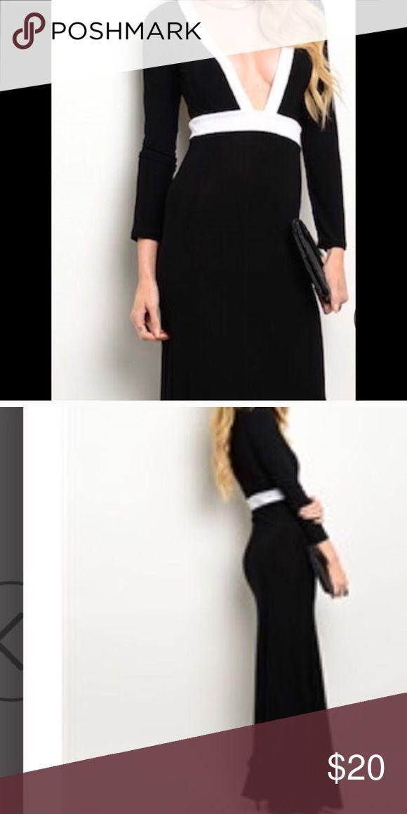 Maxi dress small NWT Maxi sexy dress black Dresses Maxi