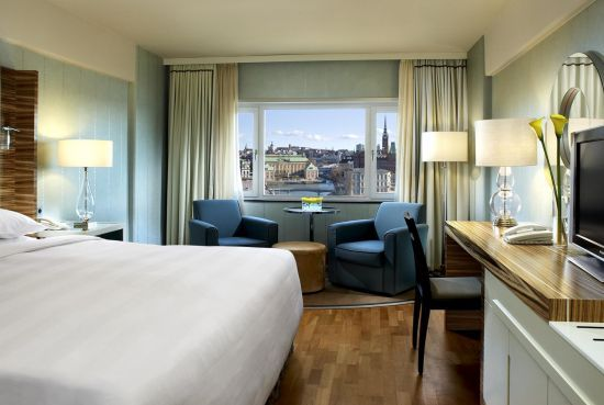 Located on the 7th floor, Sheraton Club Rooms offer upgraded amenities and special access to the Club Lounge.    Indulge your desires and book your next stay at the Sheraton Club level and enjoy the following:  http://www.sheratonstockholm.com/en/rooms/clubrooms