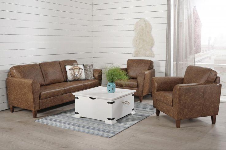Kotimaisissa Ella-sohvissa ja lepotuoleissa on sirollekin istujalle sopivaistuinsyvyys ja -korkeus. Napakalta istuimelta on helppoa nousta ylös. Imurointi kaluston altakäy kätevästikorkeiden...