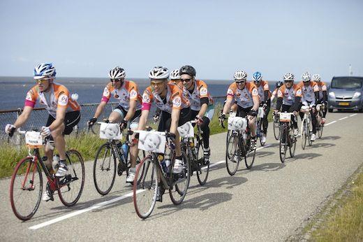 RideForHope, de uitdaging in eigen land. Vrijdag 21 juni 2013 start de derde editie van de RideForHope. Met een route van 750 kilometer is de RideforHope de langste benefiet wielertocht van Nederland voor de kankerbestrijding.  http://www.gezondheidskrant.nl/56155/rideforhope-de-uitdaging-in-eigen-land/