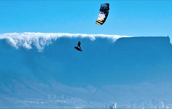 The Red Bull King of the Air: air kiteboarding http://www.surfertoday.com/kiteboarding/8305-red-bull-king-of-the-air-hits-cape-town