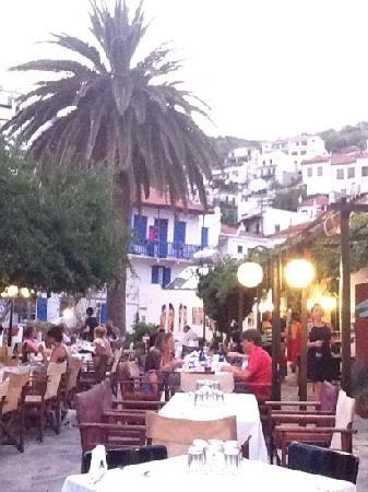 Anna's Restaurant (Tis Anna's) in Skopelos