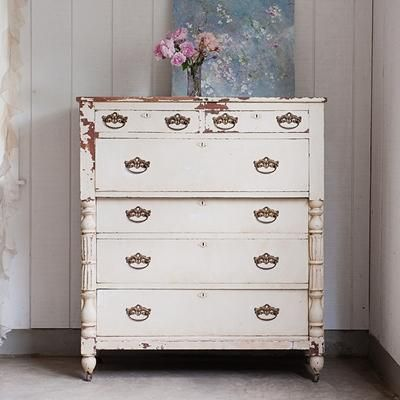 chippy white dresser   Shabby Chic. 1091 best CHALK PAINT PAINTED FURNITURE    images on Pinterest