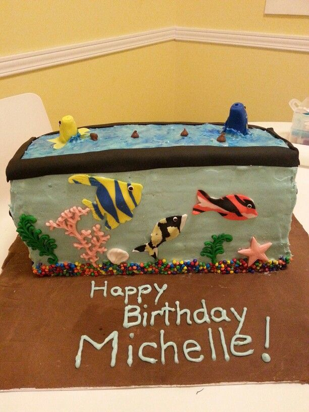 17 best images about cakes mine on pinterest baptism for Fish tank cake designs