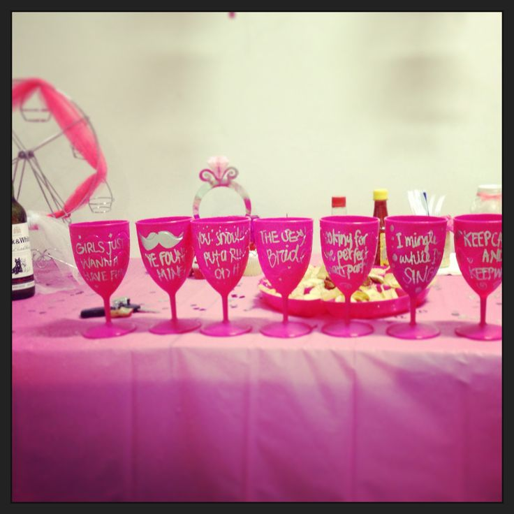 Bachelorette party ideas: create fun stuff for the bachelorette party, be creative! I made this cups for each of my friends: I bought pink plastic cups and wrote a quote or phrase on them with silver sharpie according to the love status of my friends, some of the cups said: he should've put a ring on it, i mingle while i'm single, girls just wanna have fun, looking for the perfect -man- party, keep calm and keep waiting, i've found one (i'm married) and the sexy bride. I loved them!