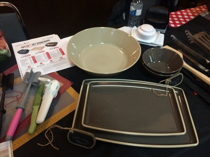 Pampered Chef Trade show, stoneware, mix n chop