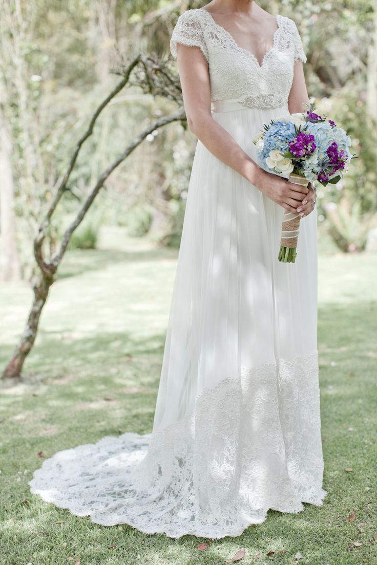 Vestido por Catalina Bayona. Vestidos de novia y fiesta en Colombia / wedding dresses / bride http://www.bayonacatalina.com/