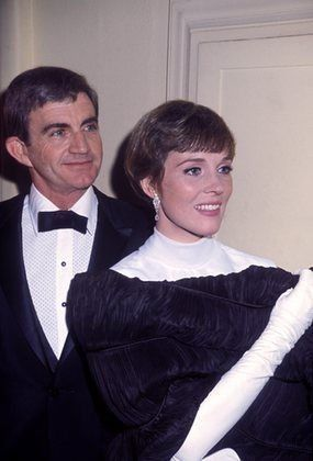 Julie Andrews - Wikipedia