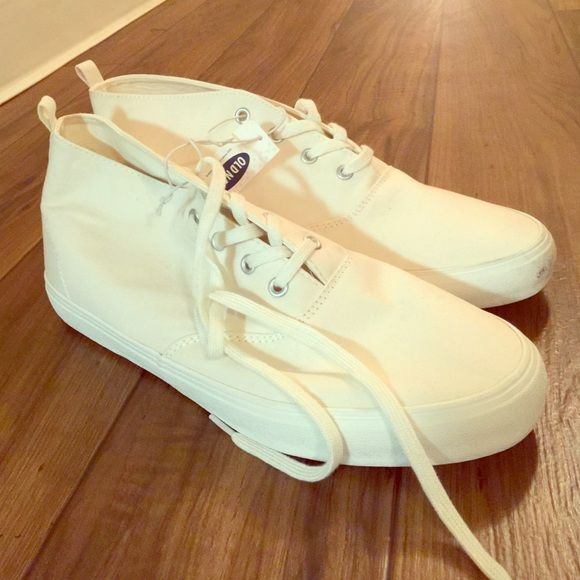 Old Navy all white sneakers CRISP white, minor scuff - never worn Old Navy size 10 sneakers  (Please bundle, will trade if you are my size!)  Old Navy Shoes Sneakers