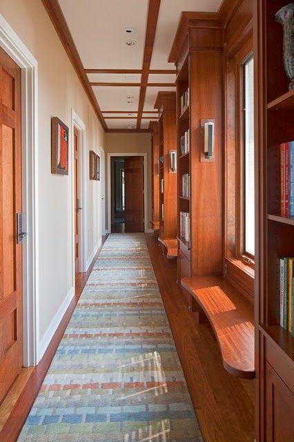 El recibidor y pasillo.