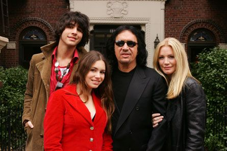 Gene Simmons & Family...  I think Shannon should be on DWTS!