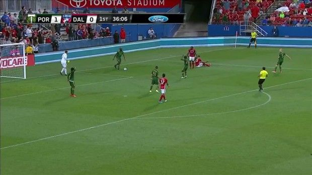 #MLS  PK SHOUT: Liam Ridgewell bumps Tesho Akindele off the ball
