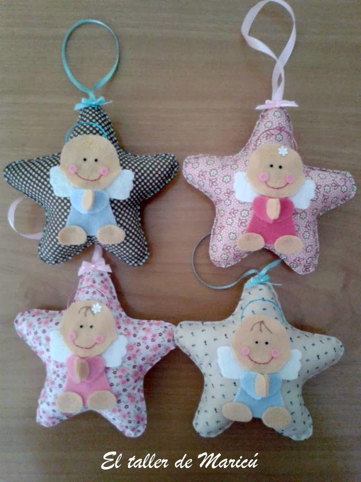 Hace unos días me topé con el patrón de estas estrellas con unos angelitos de la guarda muy dulces.   Creo que son un regalito ideal para c...