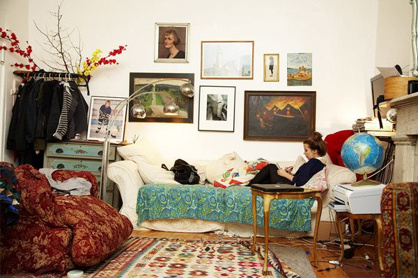 This is a dorm room, and I can say with certainty that mine never looked a bit like this. But I'd totally turn it into a guest room.