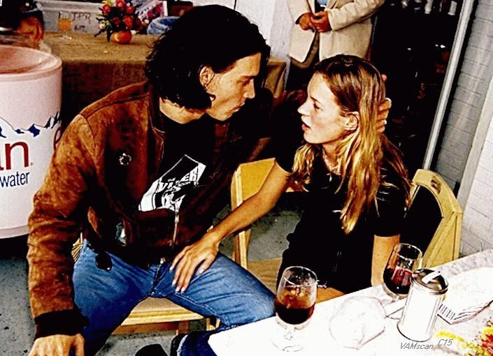 one of my favorite photos of kate moss and johnny depp- hottest couple ever