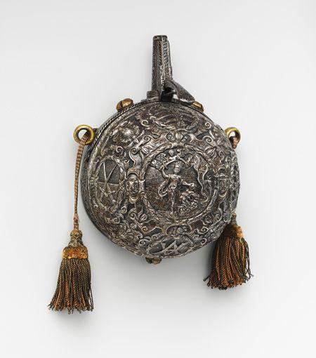 Powder flask, ca. 1575  Germany  Iron, gold, textile
