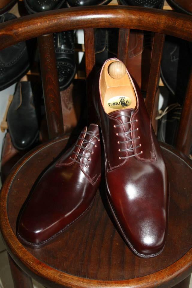 Fabula Bespoke Shoes. Unique handmade, bespoke men's shoes. Modell: Boston modell Oxblood Cordovan