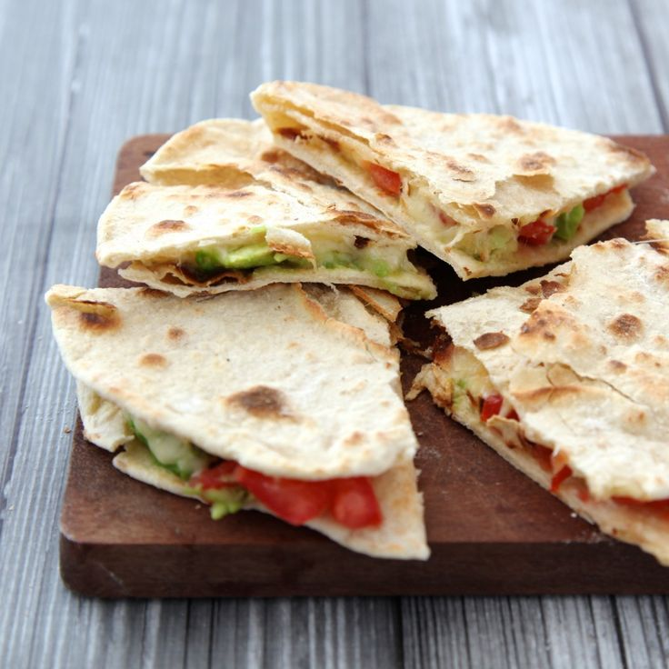 Quesadilla's met avocado en geitenkaas