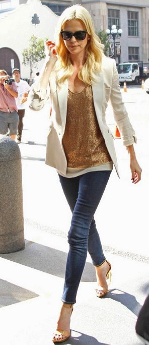 Celebrity Fashion -  Popculturez.com- #Celebrity #Stars #Fashion #entertainmentnews