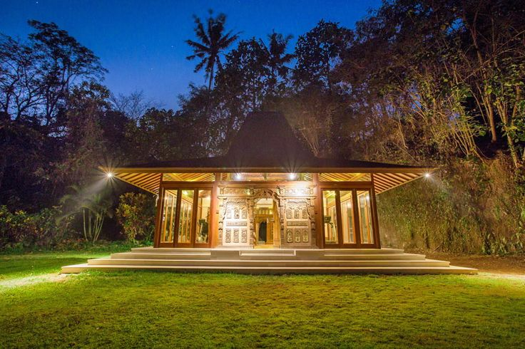 Villa Mawar | 6 bedrooms | Tabanan #gym #night #Bali 15 minutes from #GregNorman Designed #Championship Nirwana #GolfClub