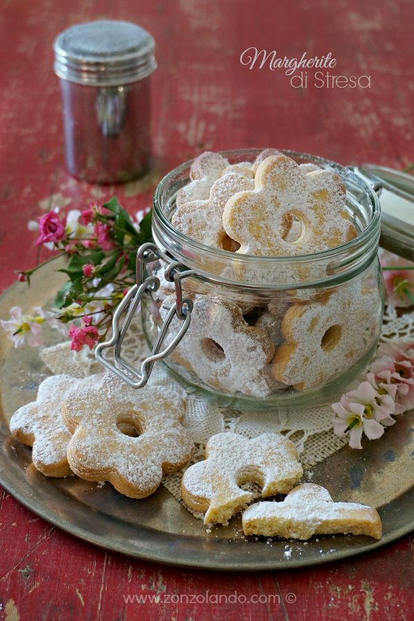 Canestrelli, Margherite di Stresa - Boiled egg cookies, sooo friable | From Zonzolando.com