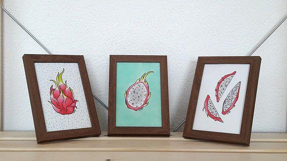 Dragon Obst Illustration, gerahmt - Pitaya Illustration, Küche Wandkunst eingestellt, Minze Hintergrund, tropische Früchte Abbildung
