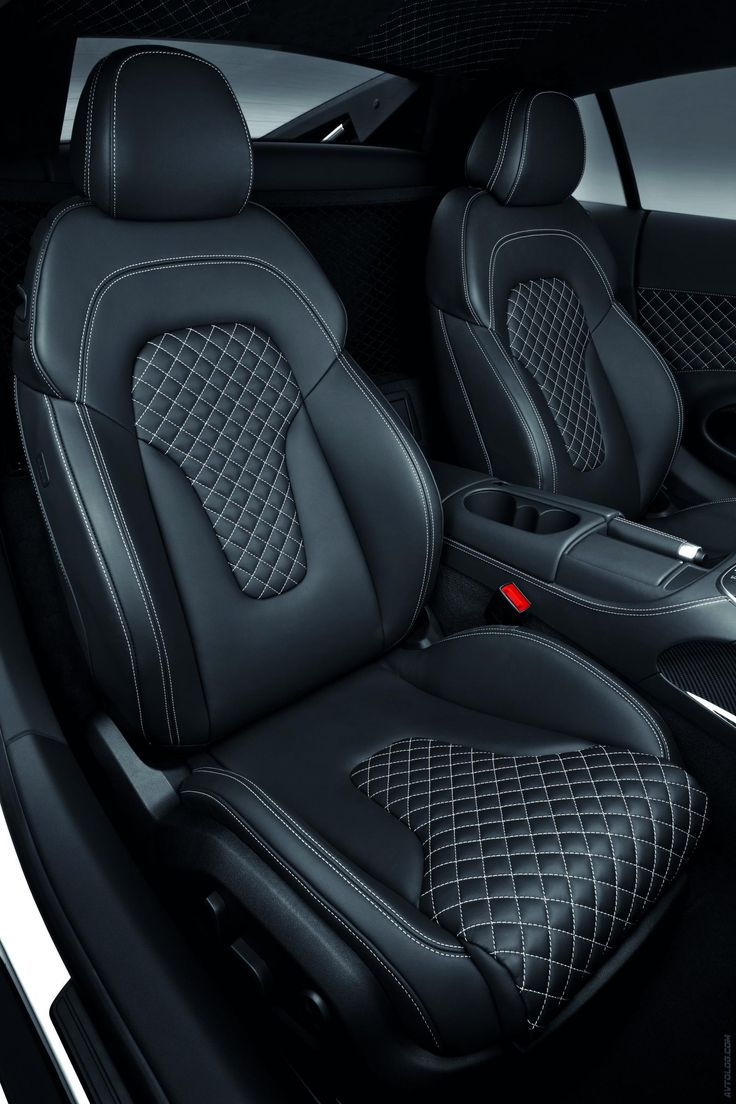 Car interior photos - 2013 Audi R8 V10 Seats Interior Diamond Stitch