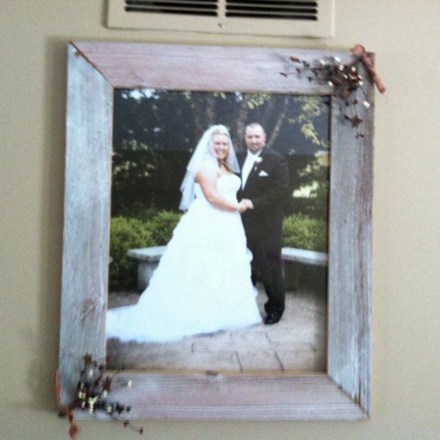 old barn wood picture frame this is a 16x20 frame that my husband made me