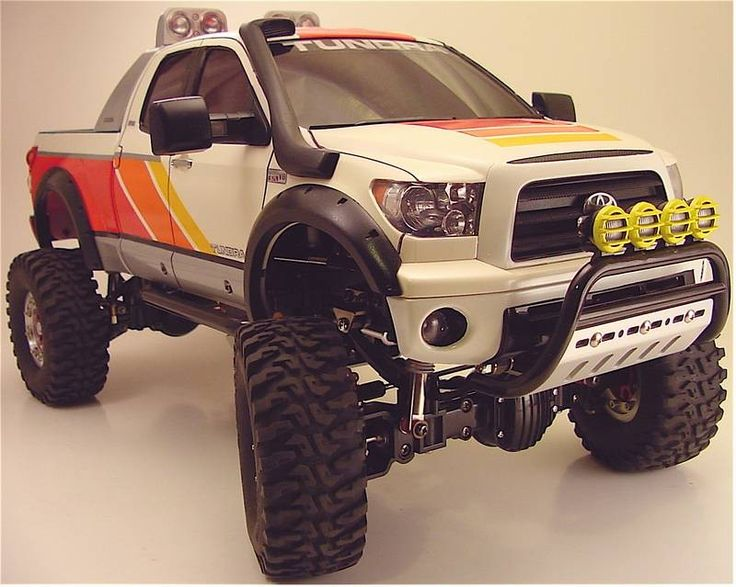 1/10 scale RC Tamiya Tundra with classic paint scheme  Again Tamiya Is The Leader Of Radio Control!