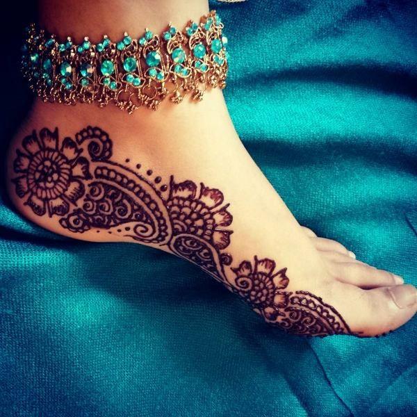 Cute Easy Henna Mehndi For Feet