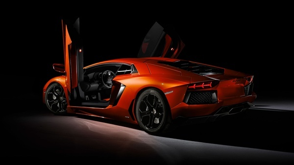The Lamborghini flagship    Aventador LP 700-4 favourite-cars