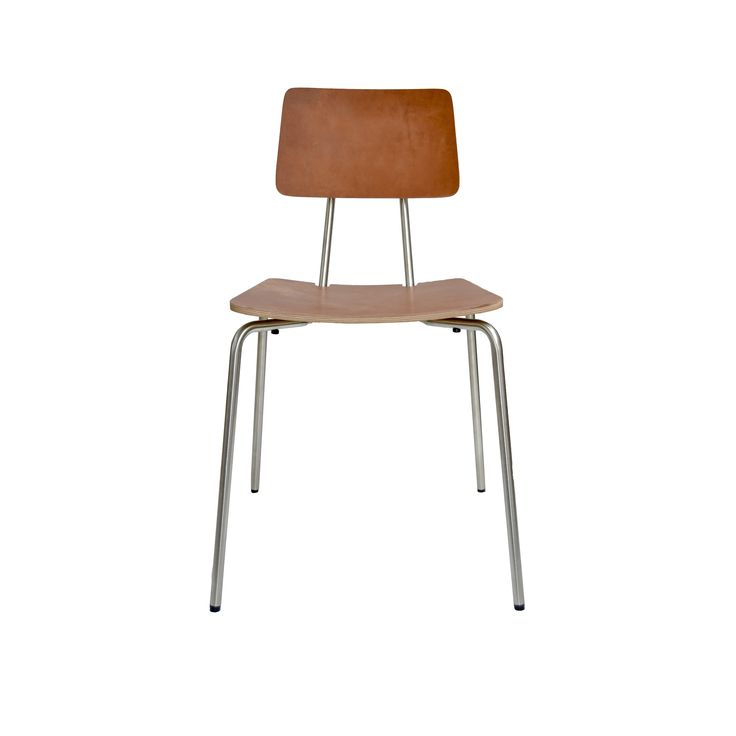 Jetzt bei Desigano.com Stan Stuhl Sitzmöbel, Stühle von KFF ab Euro 294,00 € REDUZIERTE OPTIKDer von Designer Detlef Fischer kreierte Stapelstuhl STAN erinnert in seiner reduzierten Formsprache an die Schulstühle vergangener Tage.Die große Formholzschale mit optionalen Stahlrohrarmlehnen sowie die elastische Verbindung zwischen Stahlrohrgestell und Rücken sorgen für eine gute Ergonomie, die mit ihrer reduzierten und leichten Optik bekannte Assoziationen weckt. Die verlängerte, bis zu den…