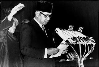 Soeharto on podium