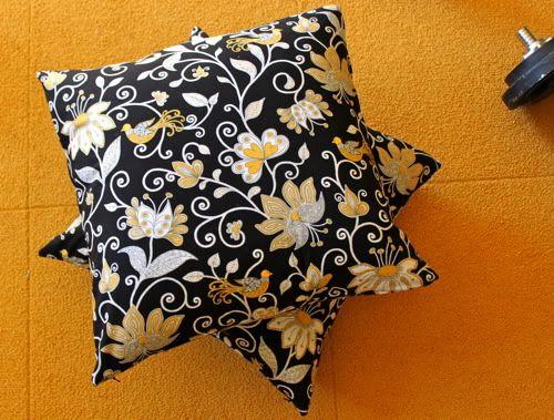 Zipper throw pillows